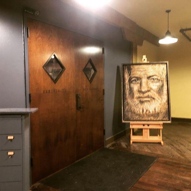 Fantastic Ernest Hemingway portrait outside of @hemingwaysnash by @stephenwatkinsart . #nashville #art