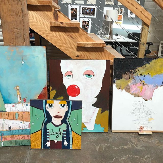 Arts. And clowns. I'm not afraid of clowns I'm not afraid of clowns. #art #aarongrayum #nashville #clowns #it