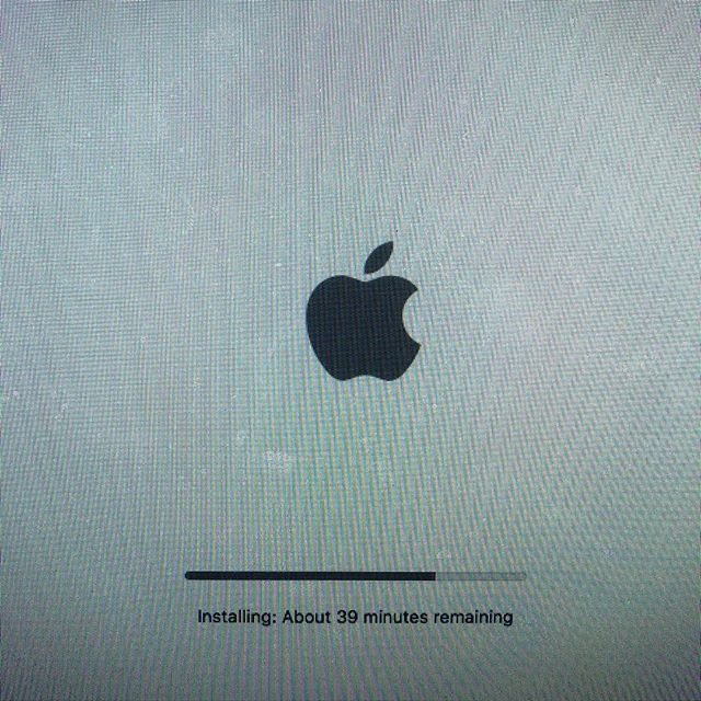 It would be cool if @apple would give us an idea how long an update is going to take BEFORE we start? #apple #highsierra #bedtime